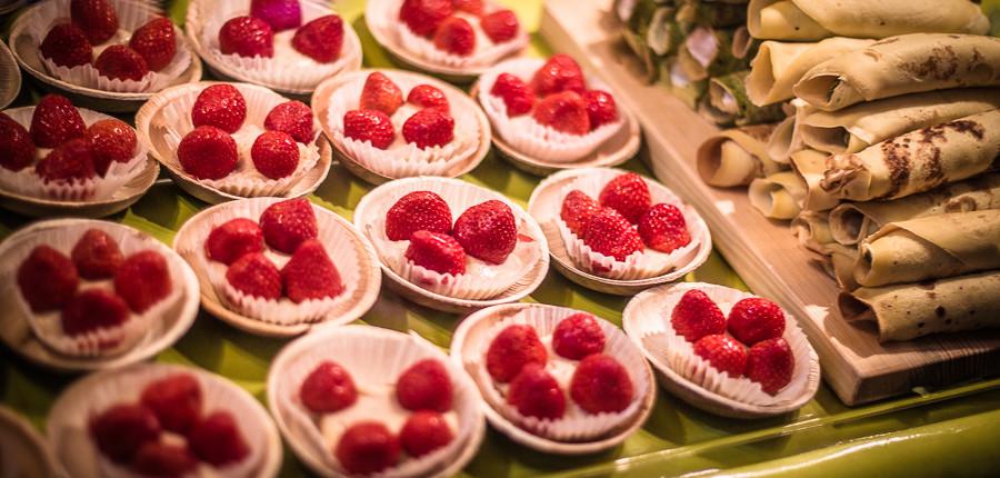 Erdbeertörtchen auf dem Strret Food Thursday